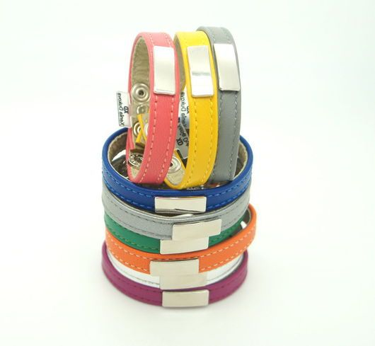 Браслеты ручной работы. Ярмарка Мастеров - ручная работа. Купить Комплект из трех браслетов, разноцветный. Handmade. Комплект украшений