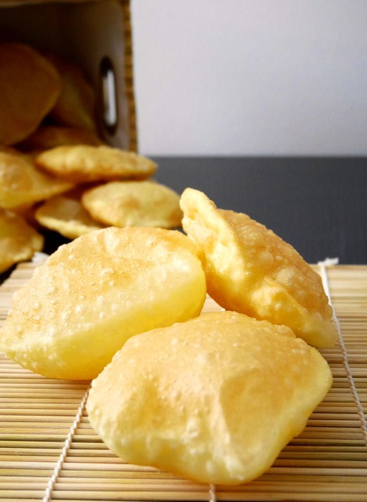 Poori - Pain indien frit soufflé - pane indiano fritto