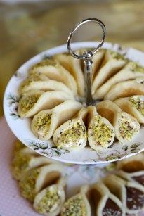 Regular Atayef (Middle Eastern pancakes) - 1 cup all purpose flour 1 cup water ½ cup milk ½ cup semolina 1 tsp baking powder ½ tsp instant yeast 2 tbsp sugar 2 tsp vanilla