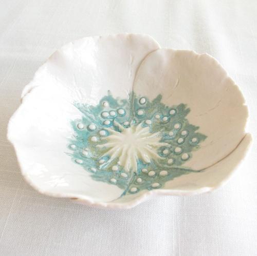 White hand made porcelain poppy bowl by VanillaKiln ceramics #vanillaKiln #ceramics #porcelain