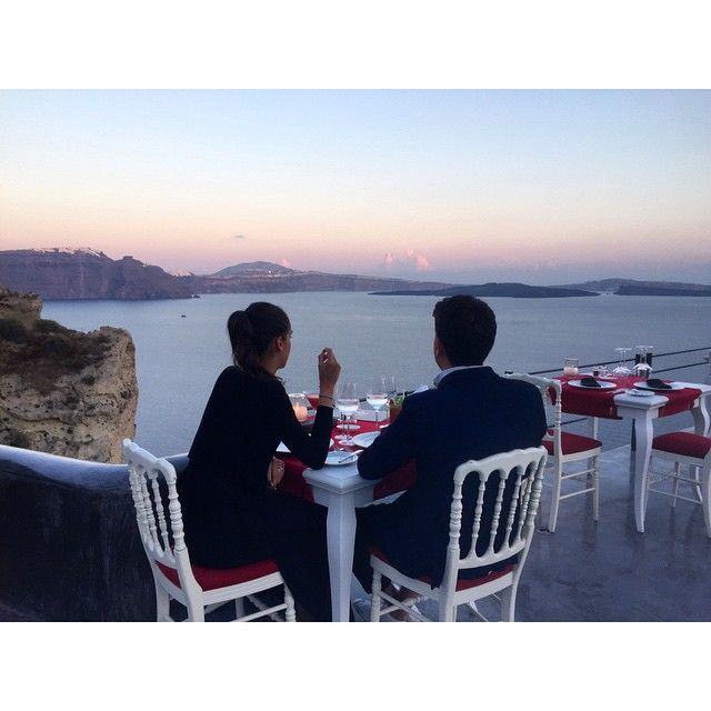 #Romantic dinner with a #volcanic view... #AndronisExperience #Santorini Photo credits: @the_situa