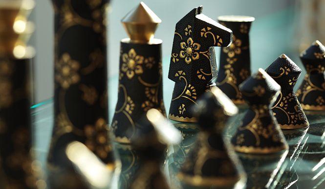 インテリアショップ『燕子花』九谷焼の盛金技法「黒粒」によるチェス駒