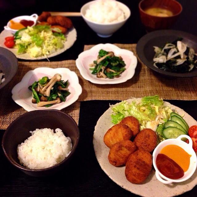 *おからとツナのもっちりナゲット *菜の花とキノコのお浸し *新玉ねぎとワカメのサラダ *お味噌汁  簡単にツナとおからで作ったナゲット、娘達はお肉と言って食べました 笑  菜の花、新玉ねぎ、ワカメ、春らしいメニューになりました。 - 161件のもぐもぐ - 夜ご飯  2014.4.12. by aiko0111