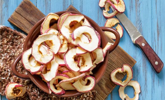 Chips di mela veloci all'aroma di cannella | I dolcetti di Paola