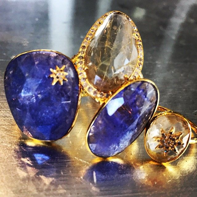 A little extra shimmer for your Monday....#robindiraunsworth #robindira_unsworth #tanzanite #gemstones #gems #diamonds #ringparty #showmeyourrings #stacktothestars #jewelry #luxury #fashion #style