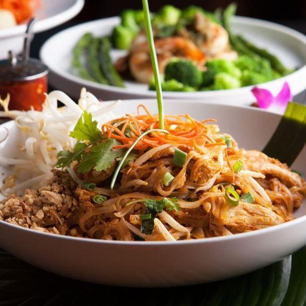 Recette Pad thaï (Nouilles de riz sautées au poulet) (facile, rapide)