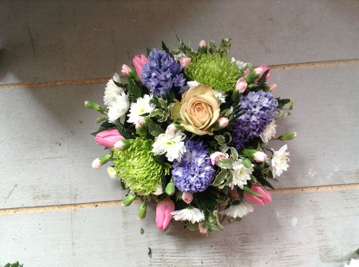 Spring funeral posy, pastel flowers, flowers for funeral, table flowers. www.thefloralartstudio.co.uk