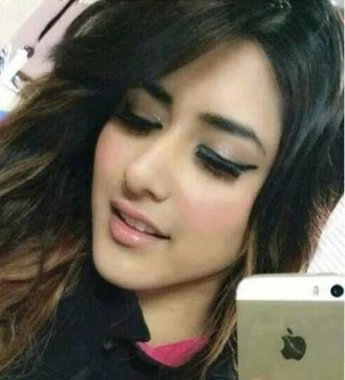 Find New Cute Facebook Or FB DP's For Girls And Women