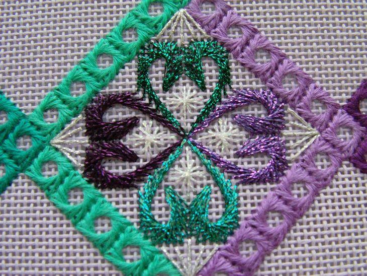 Сегодня я покажу продолжение своей второй вышивки на моноканве - континенты Европа и Южная Америка дизайна Пангея (Kurdi Biggs)