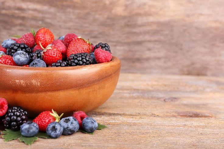Diete sanatoase. 8 fructe cu putin zahar pe care sa le incluzi in meniu - foodstory.stirileprotv.ro
