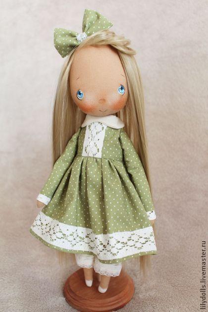 Коллекционная кукла ручной работы в платье в горошек. Handmade.
