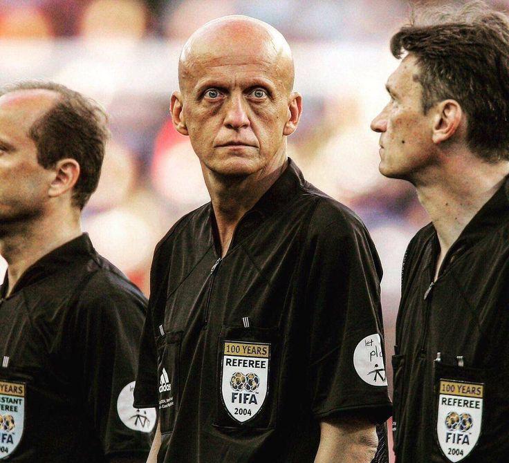 PsBattle: This soccer referee
