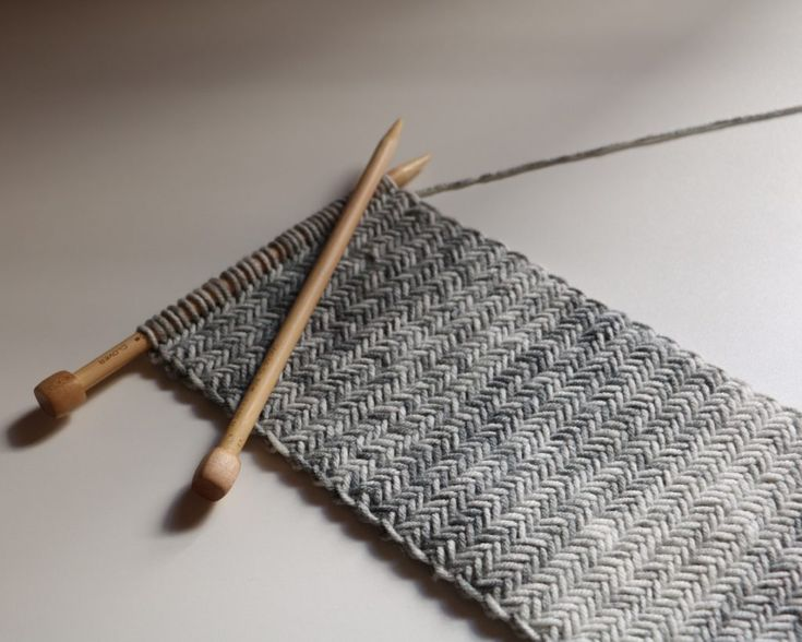 originallylovely.com: Herringbone Knit Scarf