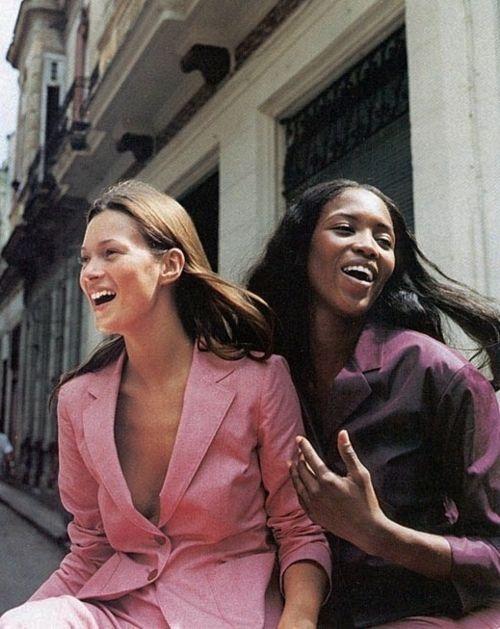 Kate and Naomi sans makeup-- perfect summer suiting