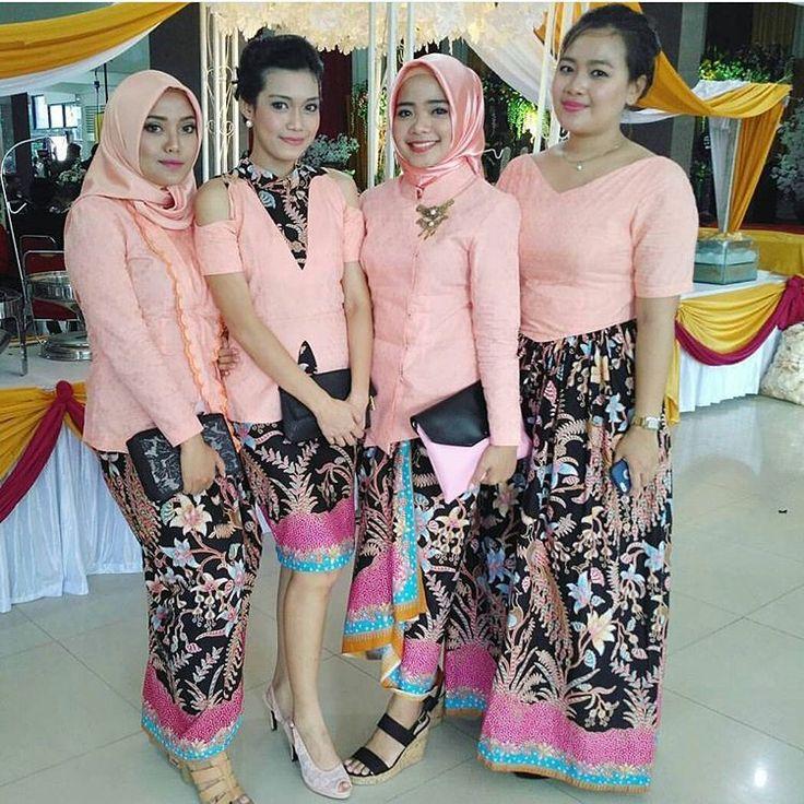 Model Kebaya Modern Pink Rok Batik Merak