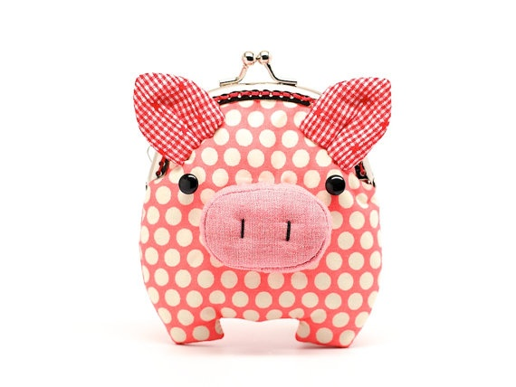 Love this salmon pink piggy clutch, how cute is this!