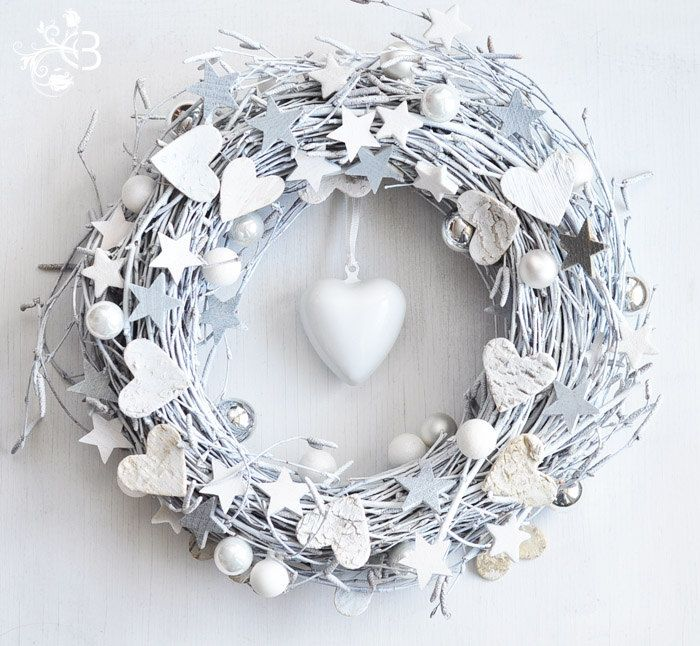 White Christmas Wreath - Winter Decor. $27,00, via Etsy.
