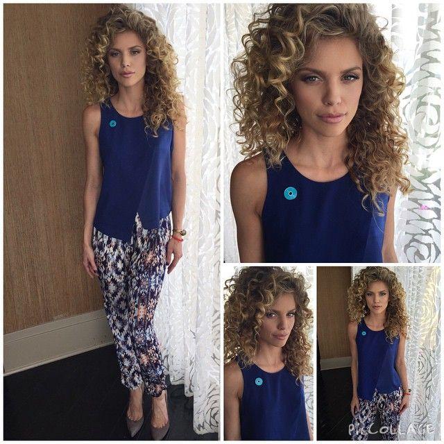 Annalynne McCord hair / curls