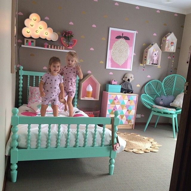 Pretty Vintage Girls Room