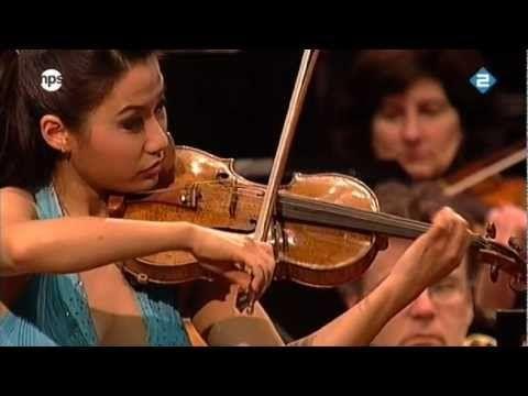 Sarah Chang plays Sibelius Violin Concerto in D minor and makes it look easy.(full)