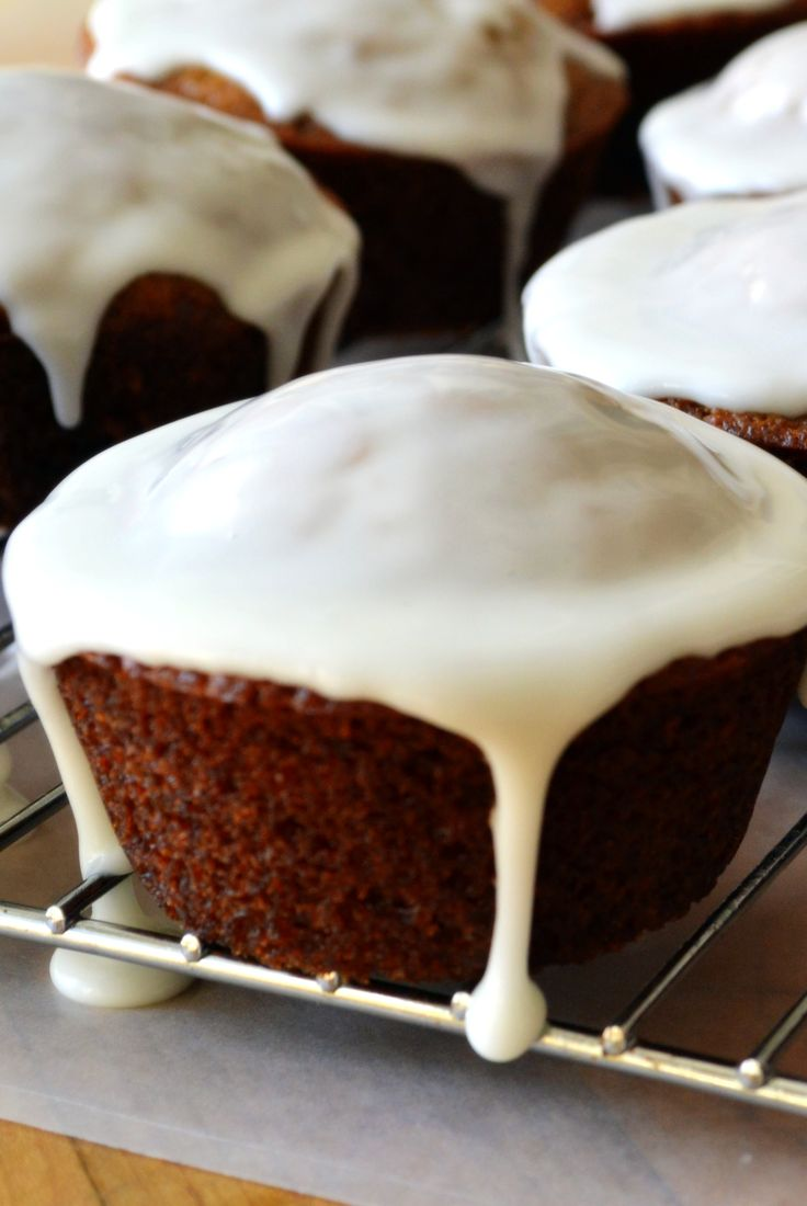 lift with a tangy lemon glaze: Cakes Desserts, Gingerbread Cupcakes ...