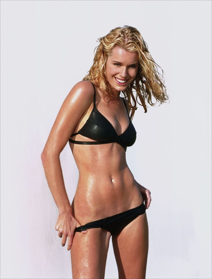 Rebecca Romijn ...... She had her first leading role in Brian De Palma's Femme Fatale (2002).
