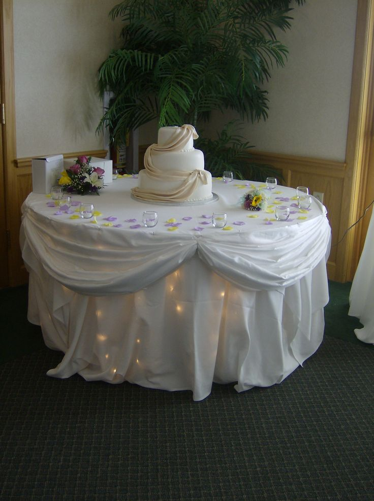 decorating wedding cake table with tulle 75 best decorating with tulle images on ballet 13421