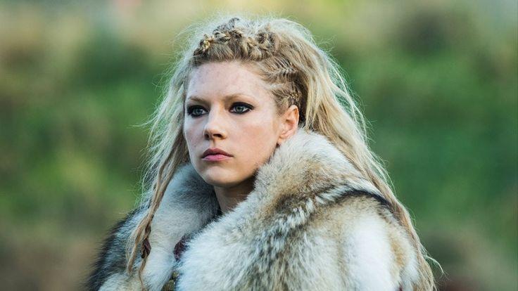 Katheryn Winnick begins work on #vikings season 6 as director