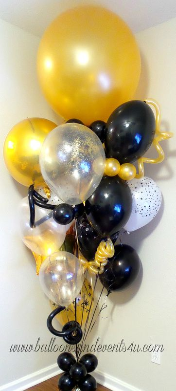 Black and Gold Balloon Bouquet  #balloonbouquets #blackandgold #holidayparty #holidayballoons