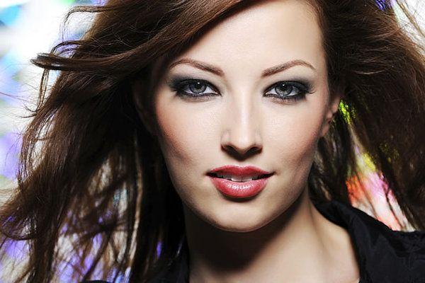 Como fazer uma maquiagem sensual - Yahoo! Mulher.´´Jhow Guerreiro´´ dá as dicas batom vermelho é sempre um grande trunfo para sedução,mas que deve ser evitado  por mulheres de lábios finos´´