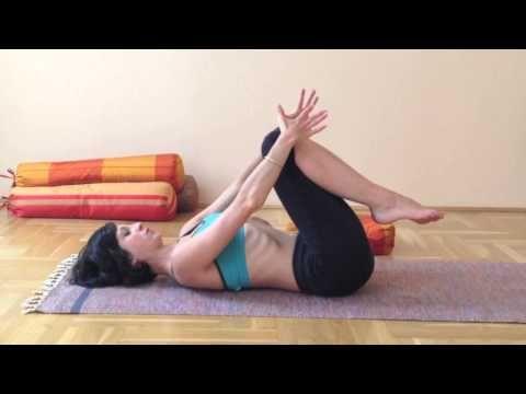 ▶ Jóga otthon - a derék, a gerinc és a nyak átmozgatása ülőmunkát végzőknek - YouTube