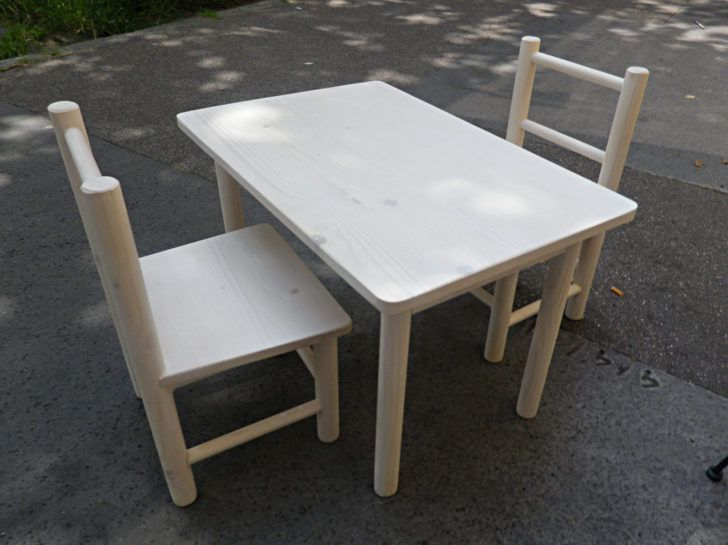 Interior Design Table Chaise Enfant Ensemble Table Et Chaises Enfant Chaise 2chaisesenfant Canape Angle Convertible Rapido Cuir Etagere Inox Basse Design Origin Dengan Gambar
