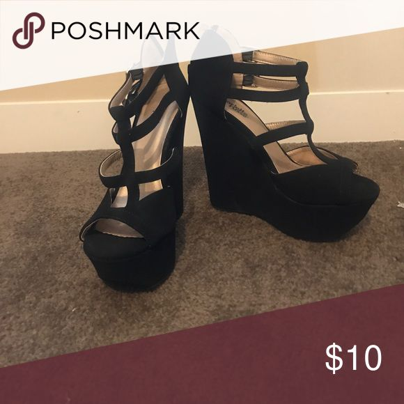 Charlotte rouse wedge sandals size 6 black felt Only wore couple times.  Black size 6 sandal wedge shoe Charlotte Russe Shoes Wedges
