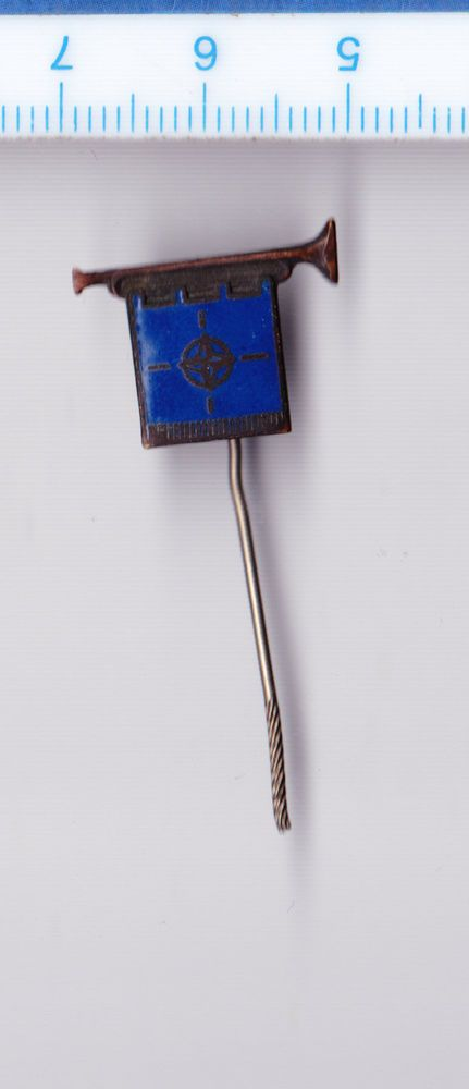 Vtg enamel Trumpet with NATO Flag Army Military pin badge