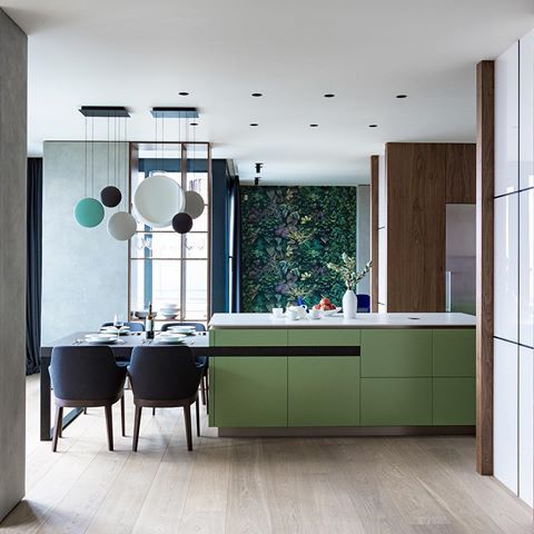 Silica and green matt lacquered wall and base units for Hi-Line 6 #kitchen design @FerruccioLaviani, as seen in an apartment in Kyiv by @allenmohn from 2016 | PH Artem Zavarzin