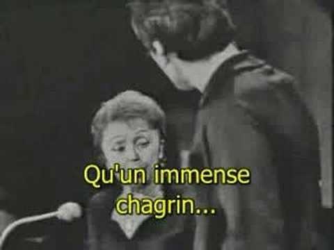 Serge Gainsbourg interprète une chanson de Charles Aznavour: Parce que. Paroles: Parc' que t'as les yeux bleus Que tes cheveux s'amusent à défier le soleil P...