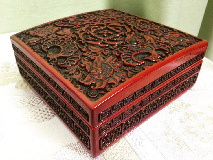 Beautiful wood carving and lacquer work on auction now. #Tradera #woodwork #woodcarving #lacquer #lacquerlovers #lacquerwork #lacquerware #lack #träsnideri #träarbete #träask #ask #lackarbete #auktion #auktionsfynd #auction #auctions #japaneseculture #skrivdon #culturalitem de sanpo_suru