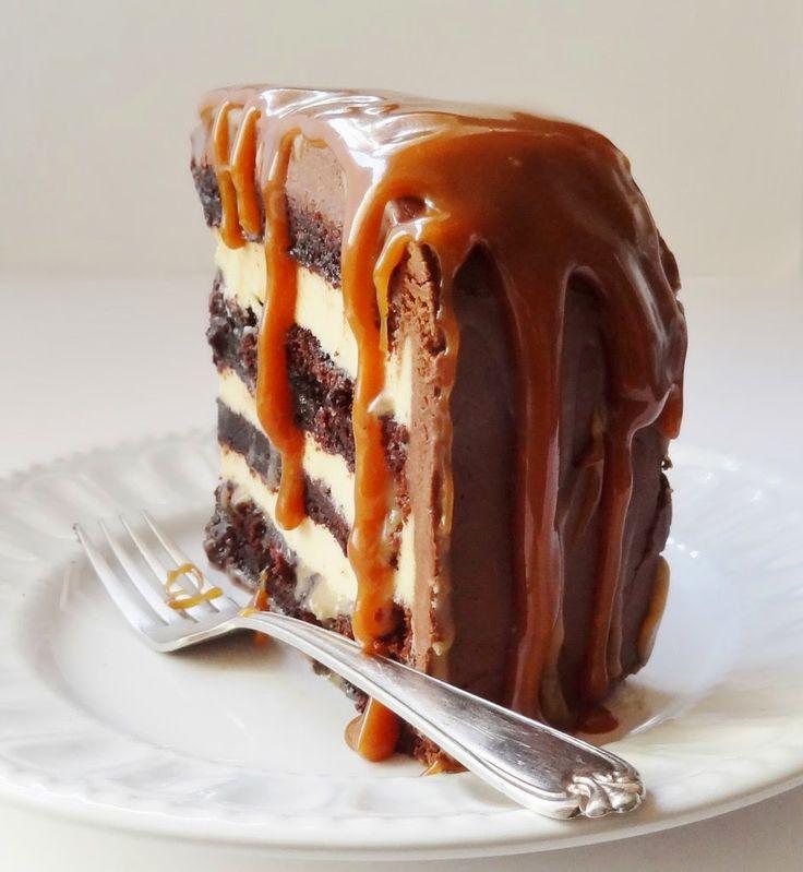 Πανδαισία+γεύσεων!+Τούρτα+-κέικ+με+βουτυρόκρεμα+,ganache+σοκολάτας+και+καραμέλα!