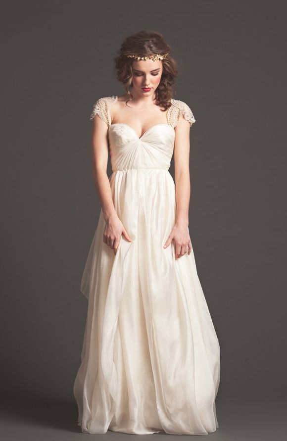 Graceful Gown ~ Sarah Seven via Wedding Sparrow