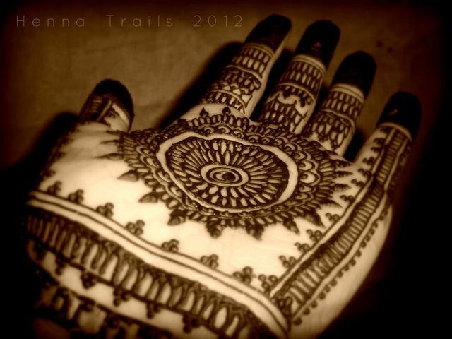 henna palm by Henna Trails, via Flickr