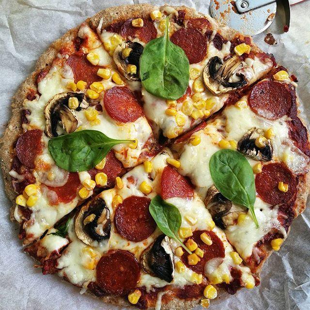 #dobrouchutpokudpraveobedvate dlouho jsem si nedělala mojí jogurtovou pizzu 😀😋🍕❤️je božžží😋😜✌️užívejte odpoledne 😀�... - Renata Knapová (@renataknapova)