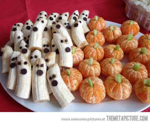 Halloween Idea - Ghosts and Pumpkins  http://onelittleproject.com/banana-ghosts-and-clementine-pumpkins/
