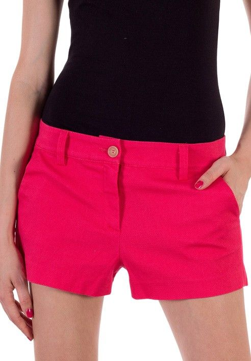 Cotton shorts with a distinctive texture Piquet in relief. Shorts xclusive made in Italy BUY IT NOW ON www.dezzy.it!