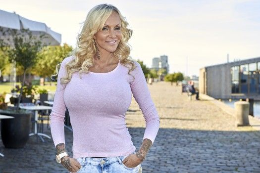 excort5 Linse Kessler breasts