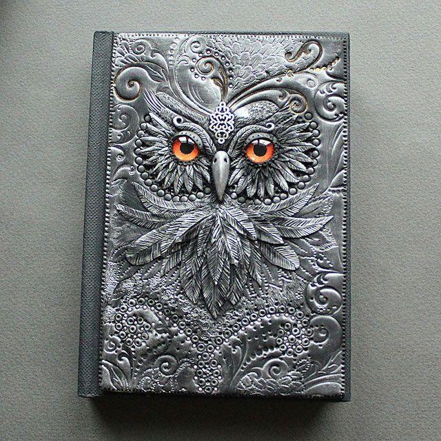 Incrível arte para capa de caderno feita pela russa Aniko Kolesnikova.