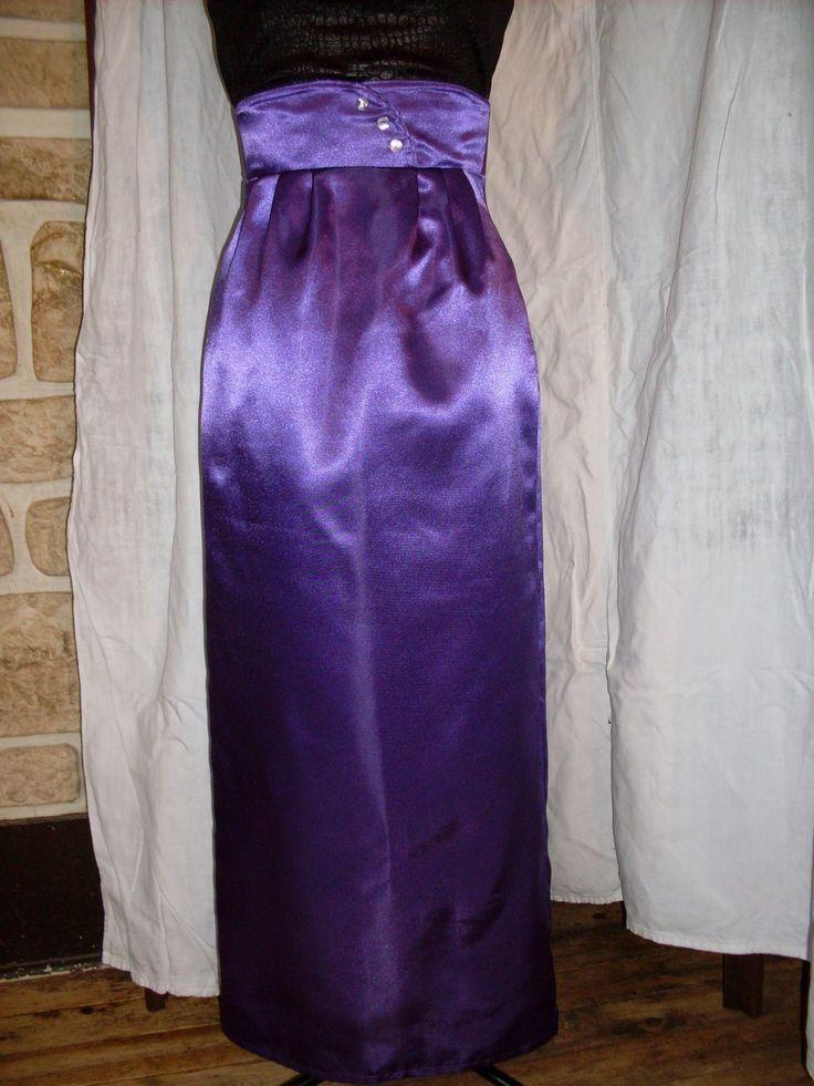 Jupe crayon longue style années 60 en satin violet : Jupe par dentelles-et-dragon