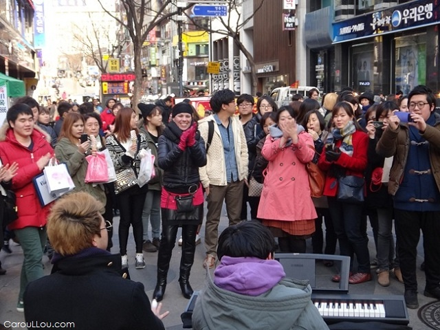 I'm in Seoul - Street style in Itaewon - more South Korea photography : http://CarouLLou.com