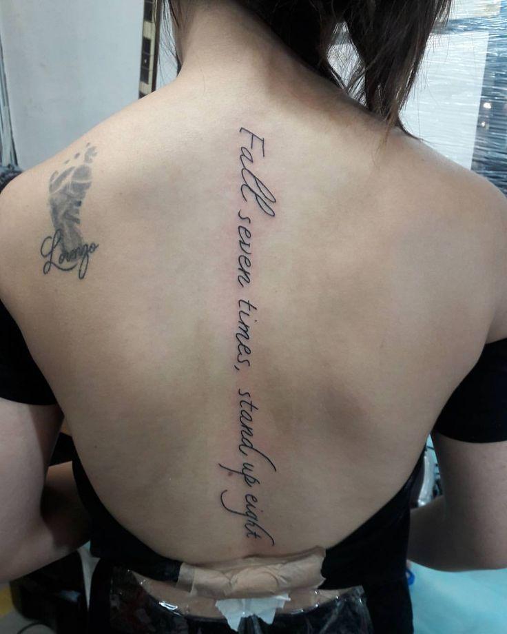 Frase em cima da Coluna  Obrigada Camila pela confiança  #tattoo #tattoos #tatuada #tattooshowrs #tattoo2me #tattoocostas ##frasetattoo ##escritatattoo #letteringtattoo #letterstattoo #letrastattoo #instalovers #instatattoos #inspirationtatto #tatendo #vempracá #tattoobrasil #tatuadora #nofiltertattoo  (em Tattoo Show RS 2016)