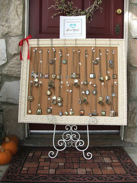 necklace displayCrafts Fair, Jewelry Displays, Frames Display, Corks Boards, Craft Fairs, Fair Jewelry, Display Ideas, Necklaces Display, Jewelry Frames