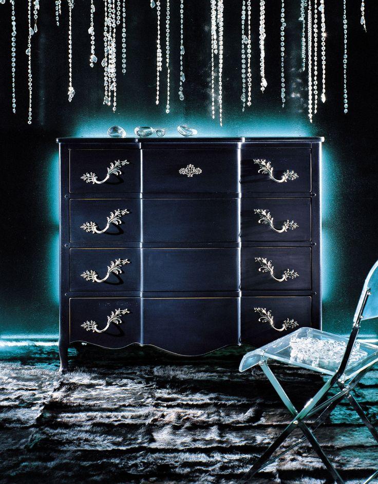 """""""Noblesse"""" dresser"""